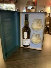 Coffret Lagaluvin Islay Single malt 8 ans d'âge + 2 verres dégustation